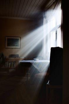 fc87052dc1623176b8697aff0386103d--sun-rays-morning-light