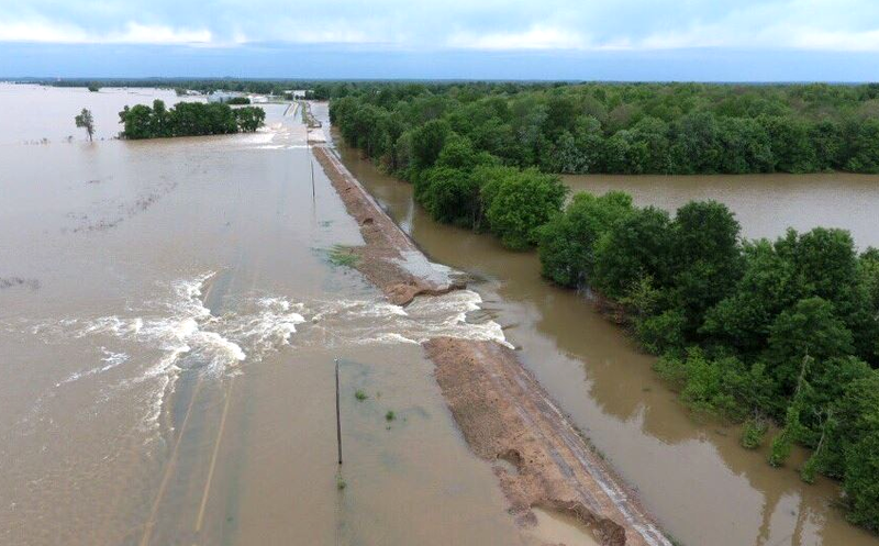 2017-05-03-Flooding1-KATV
