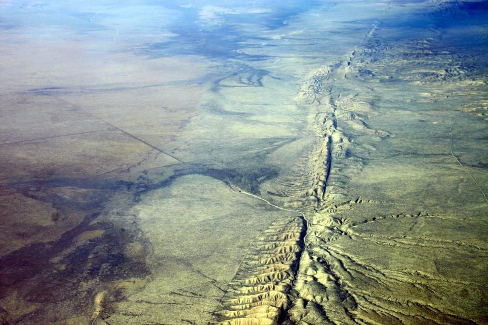 https---blogs-images.forbes.com-trevornace-files-2016-05-san-andreas-fault-1200x799